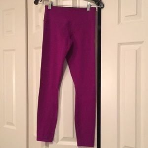 Lululemon magenta/black full leggings sz 4 57896